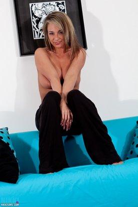 Nikkisweats0064-lg